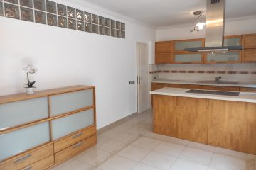 Debrecen, Simonyi út - Spacious flat is for rent next to tramline